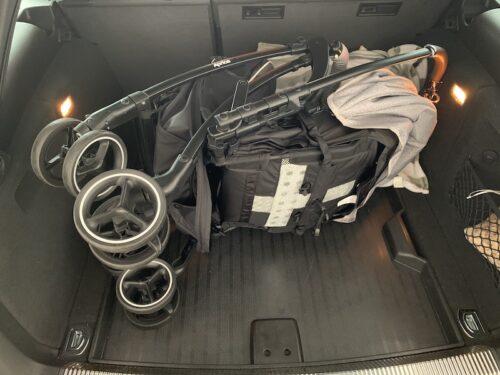アウディA4アバント トランク
